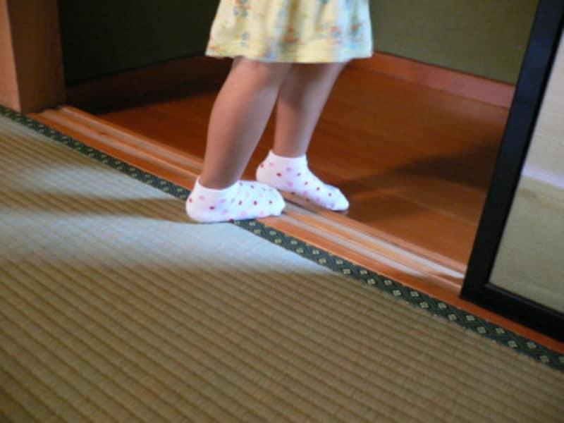 昔から「畳の縁や敷居を踏んではいけない」といいますが、なぜでしょう?