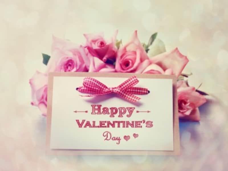 心を伝える手段はさまざま。欧米ではバレンタイン・カードを添える