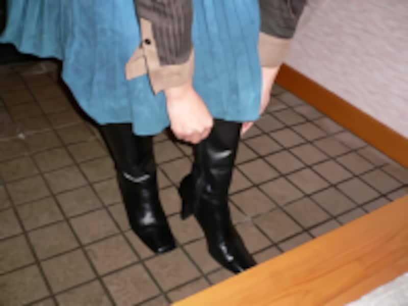 ブーツのファスナーの下ろし方/靴やブーツの脱ぎ方・置き方