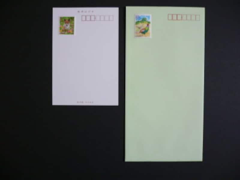 切手の貼り方…縦長の封筒やはがきに切手を貼る位置
