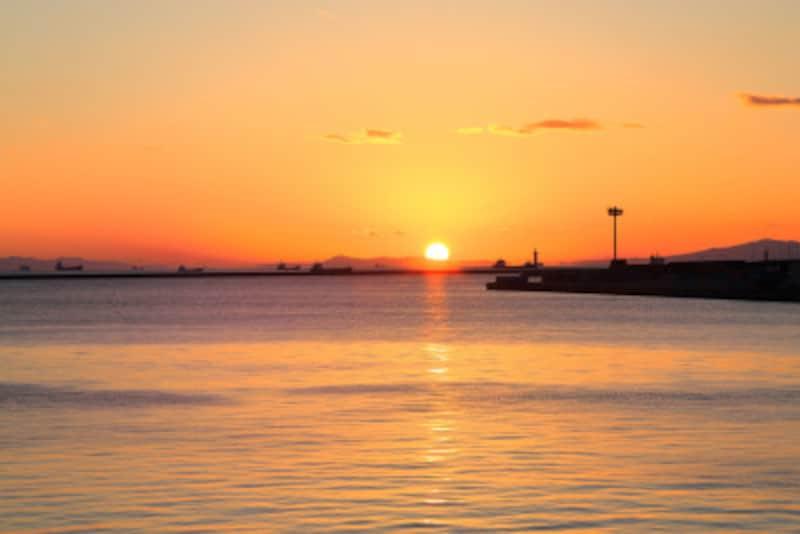 太陽が真西に沈むとき、彼岸と此岸が最も通じやすくなります