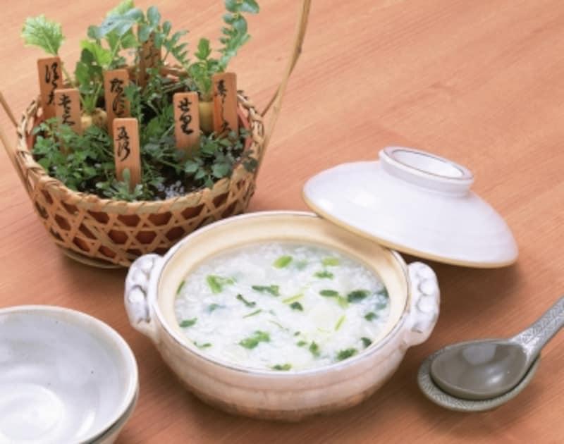 七草粥作り方レシピ!土鍋や七草セットで簡単、ご飯から作る方法
