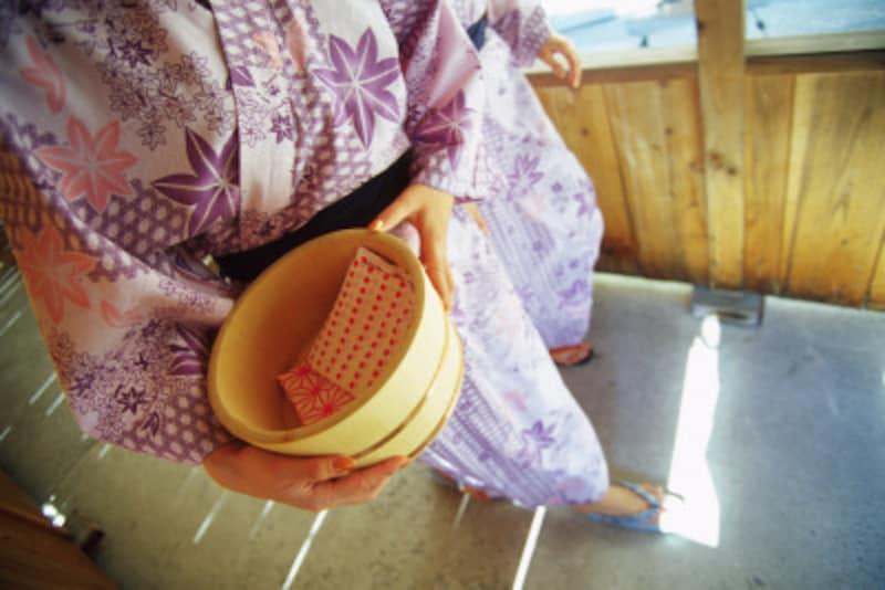 旅館・温泉の浴衣、着方や帯の締め方(男女別)