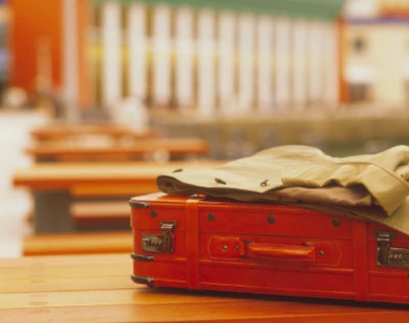 ホテルには荷物置き場やバゲージラックがありますが、旅館の場合どこに荷物を置きますか?