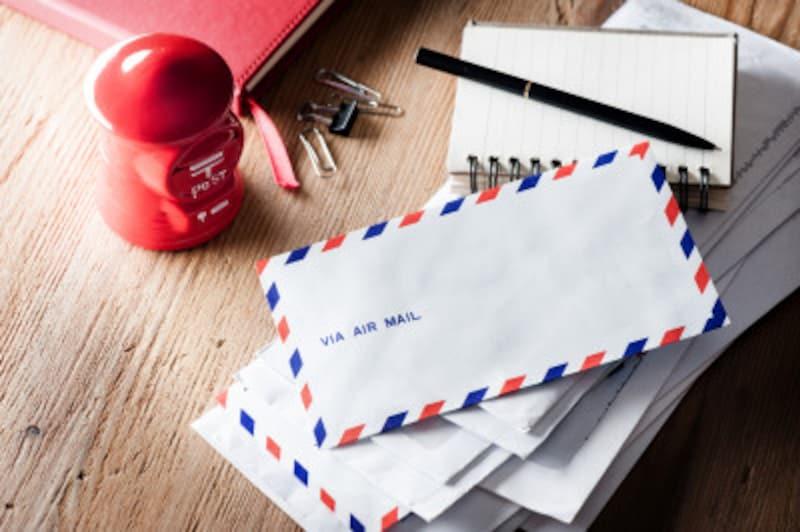 外国宛ての封筒で「〆(しめ)」はタブー