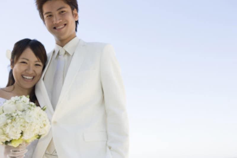 花嫁花婿が並んでのバランスが大切です。タキシード選びも手を抜かないで!