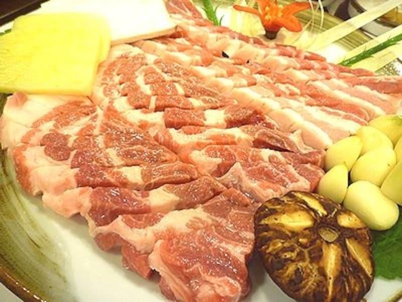 誰が食べても美味しい!と認めるお店。済州島産の黒豚も一度は味わってみたいものです