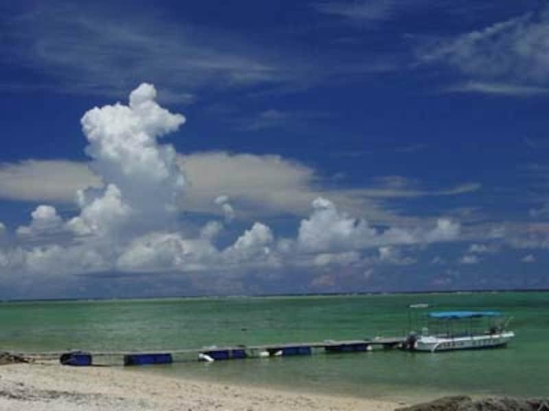静かな白保の集落を抜けると広がる白保の海undefined写真提供:石垣島海辺COM