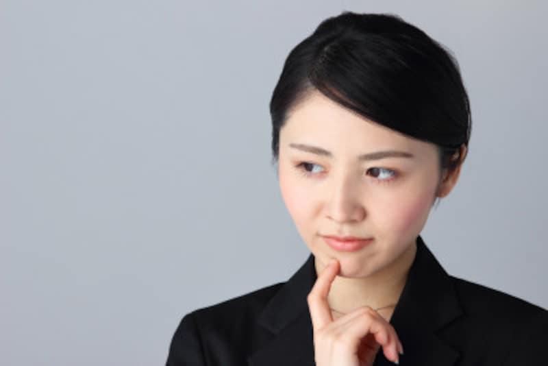 唇の閉じ方:唇の左右どちらか片方が上がり気味の人の性格