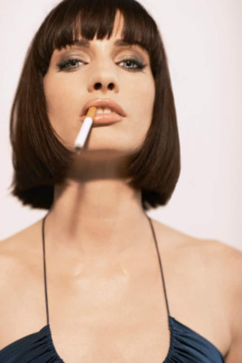 20代女性の喫煙率が年々増えているのはなぜなのでしょう?