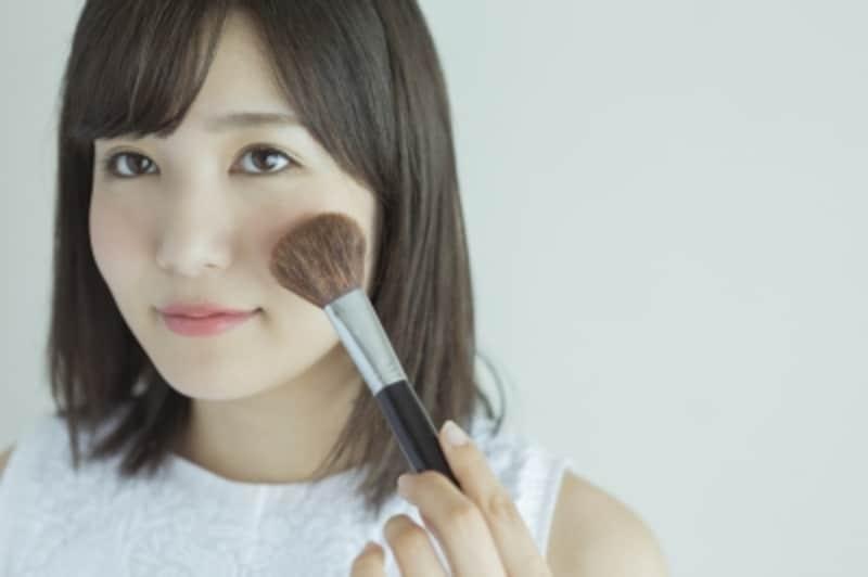 薄化粧な女性には、ベースの肌がきれいな人が多いもの