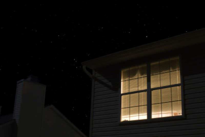 北の窓からは月が見えない