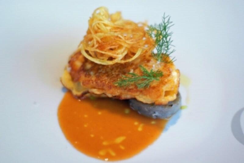 魚のピカタ、濃いえびのソース