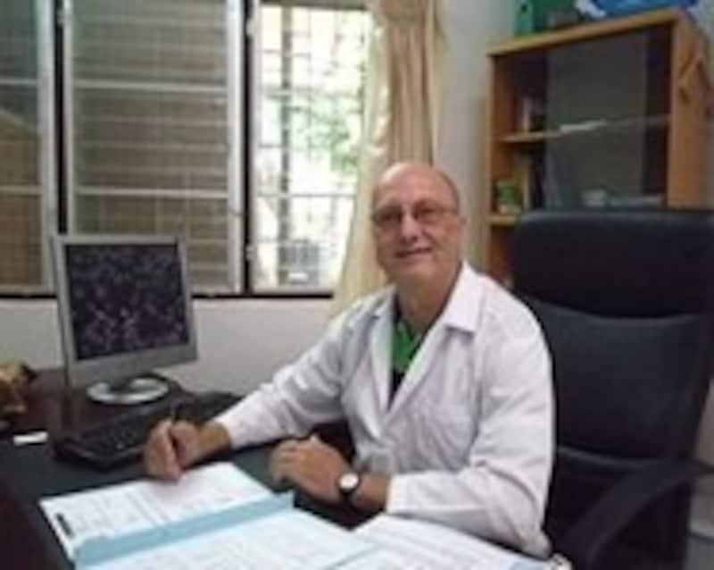 西洋医学のドクター●●氏。会話は基本英語で。困ったら日本語OKのスタッフに相談を