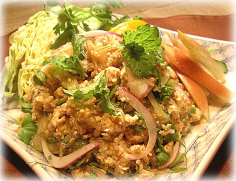 レシピ】 タイ料理:鶏ひき肉のハーブ和え [世界のおうちご飯