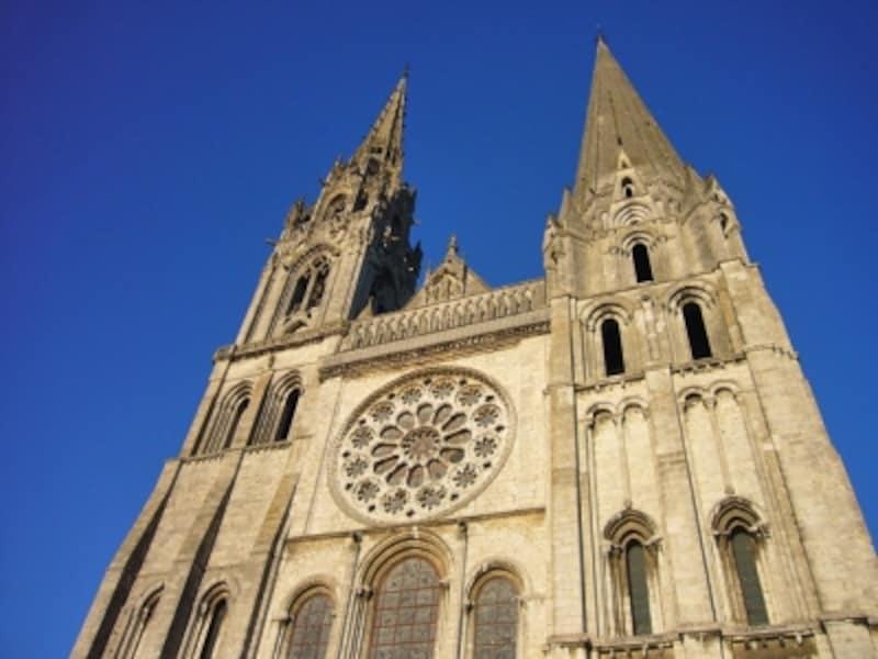 シャルトル大聖堂の西ファサード