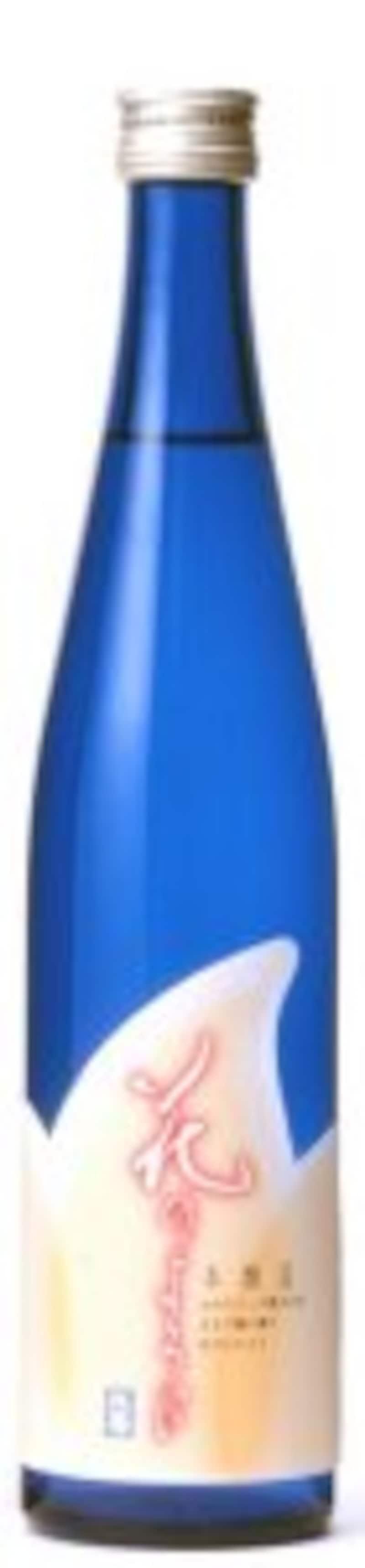 美しいブルーボトルは涼しげ