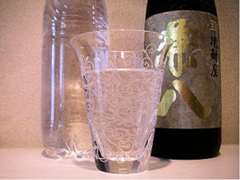 トゥワイスアップとは、水と焼酎が半々で氷なしの飲み方