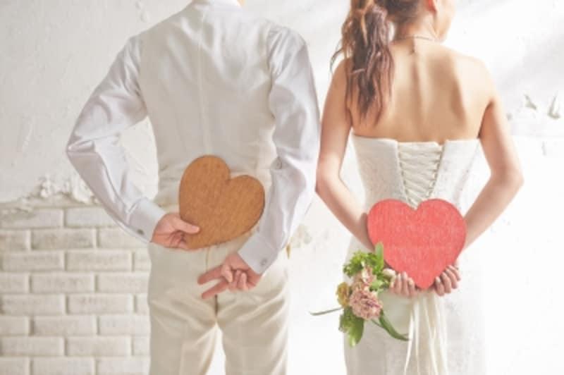 再婚の結婚式を挙げる場合、招待する人やご祝儀はどうする?