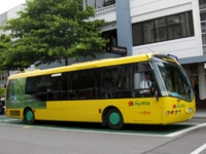 市街地中心部を巡回する無料シャトルバス