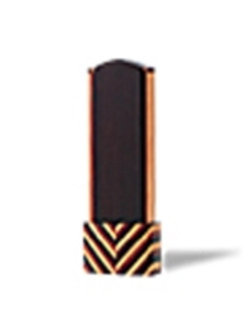 現代仏壇を製造・販売している八木研の位牌のひとつ。斬新なデザインが特徴