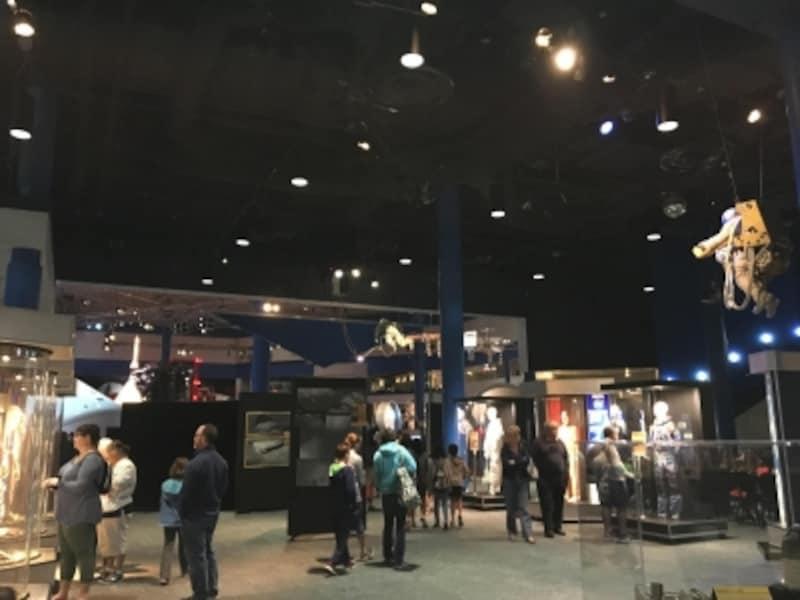 スペースセンターヒューストンにはNASAマークのギフトがいっぱい