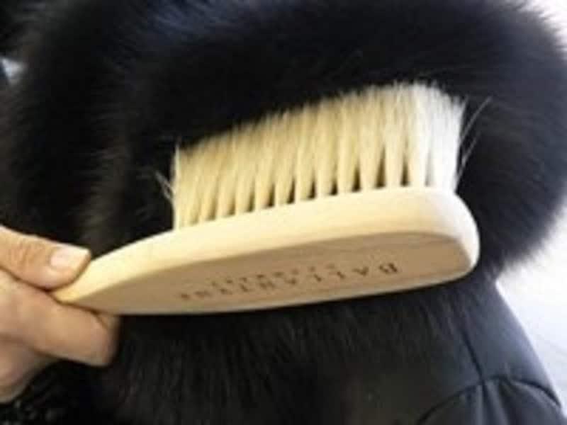 ファー、フェイクファーの毛が抜ける…対策は?ファーのお手入れ方法
