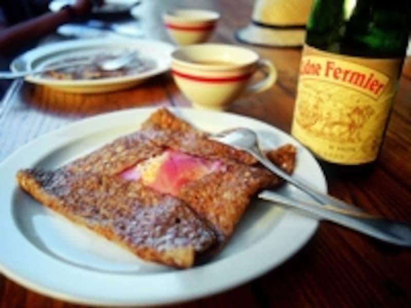 良質のバターを使ったブルターニュのクレープは絶品