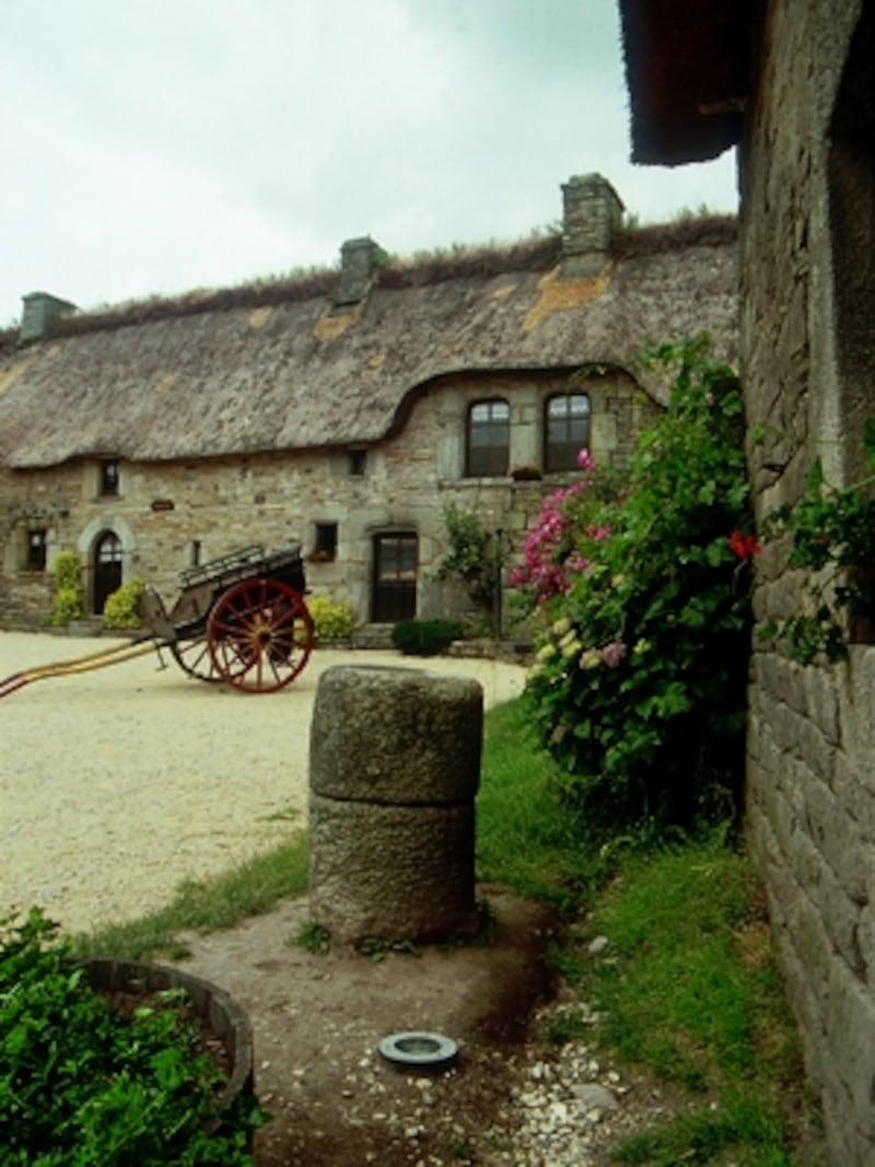 中世の時代の様子がそのまま残されているブルターニュの村、ポール・フェタン