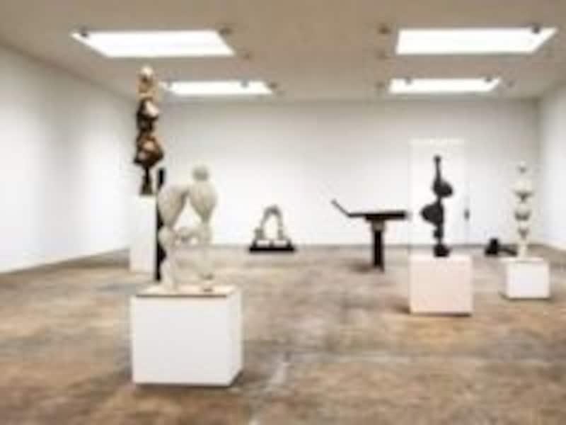 アートを骨の髄まで堪能できるような静謐な空間