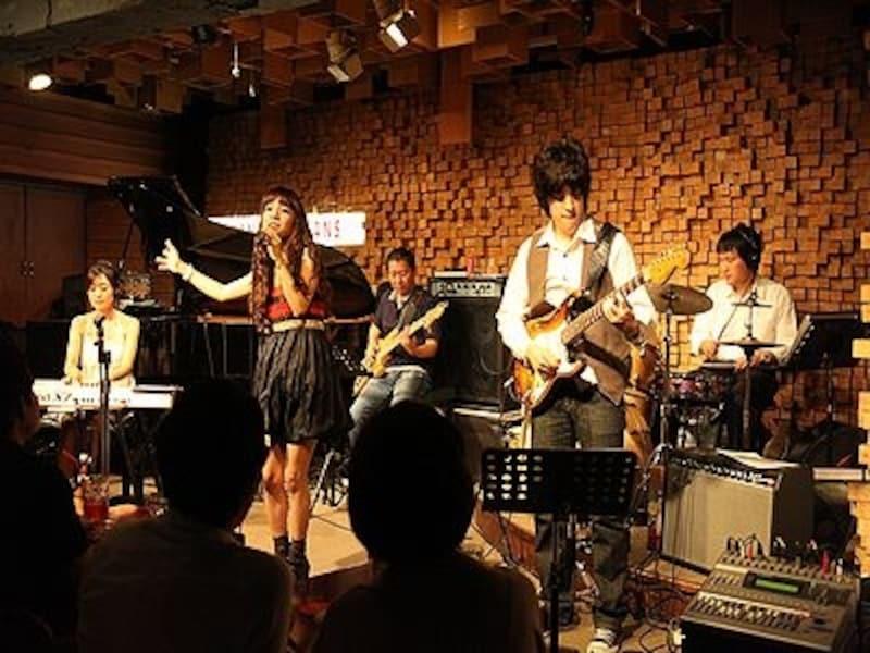 入場料も5,000~7,000ウォンと安いから負担なく音楽を楽しめます!