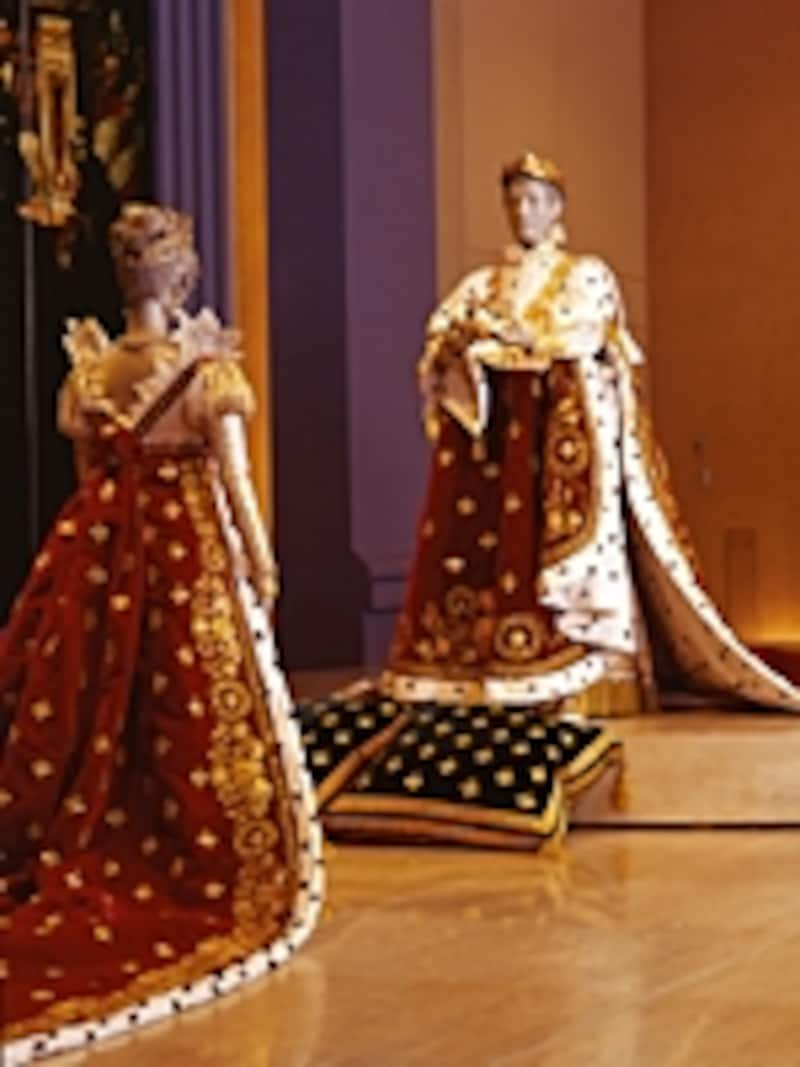 ナポレオン1世の戴冠式衣装も復刻展示