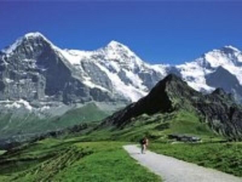 メンリッヒェン付近から見るユングフラウ三山。画像提供:スイス政府観光局