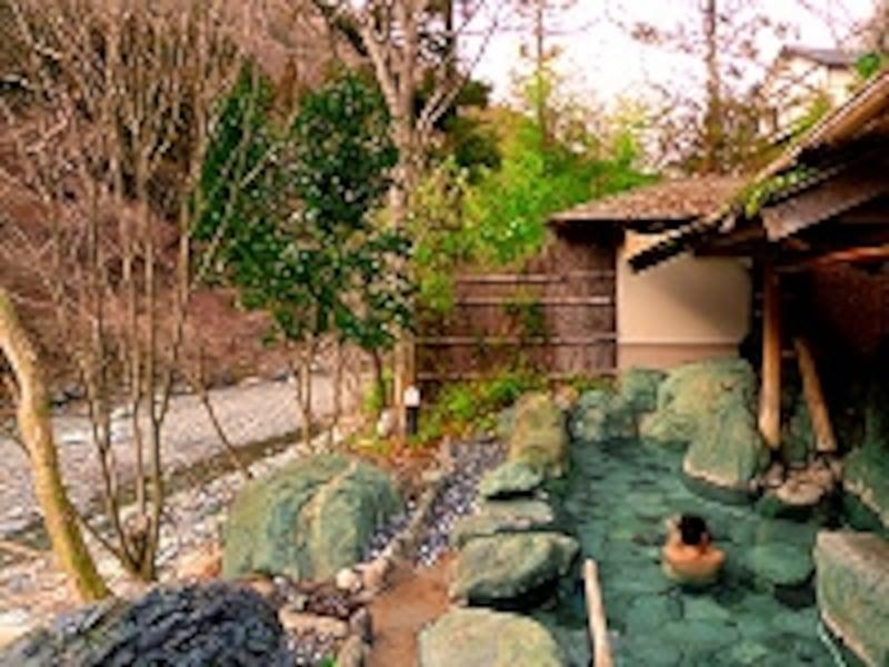 渓流を望む貸切露天風呂「川音」