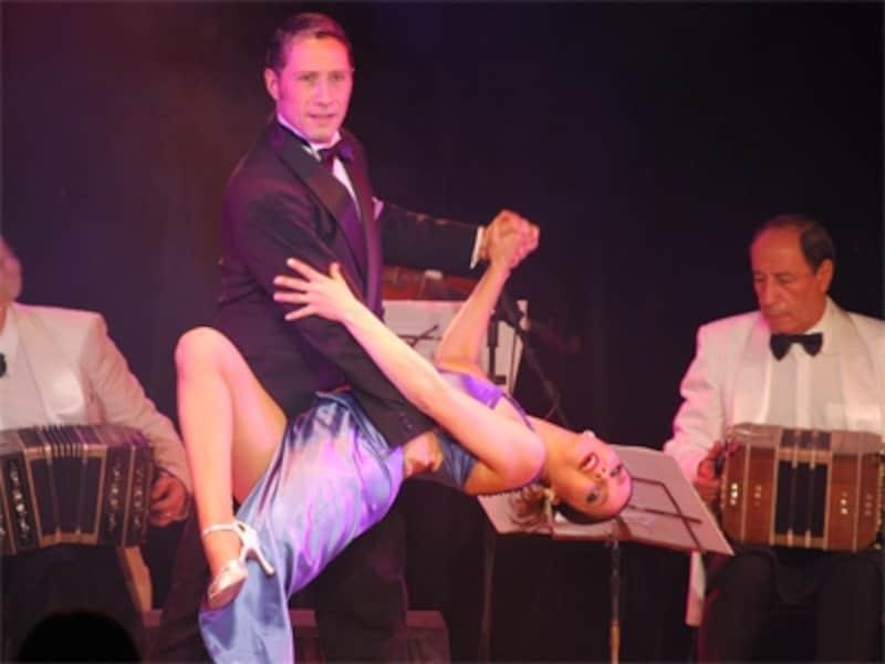 情熱的なダンスはブエノスアイレスのイメージそのもの