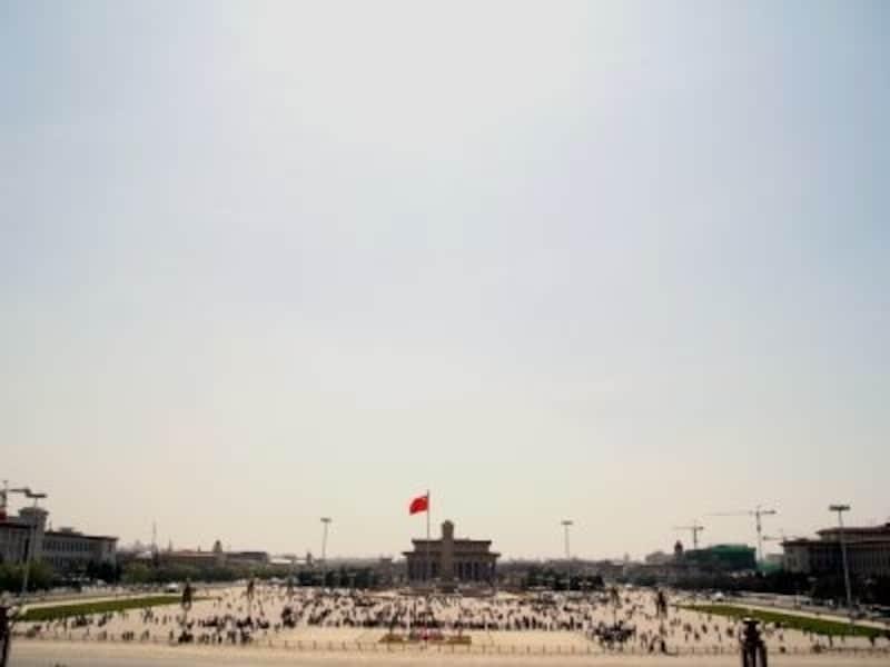 天安門広場。東西500m、南北800mの世界一大きな広場