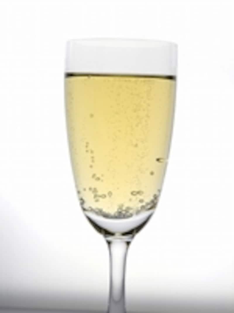シャンパンという呼称はシャンパーニュ地方生産のワインにのみ許されている