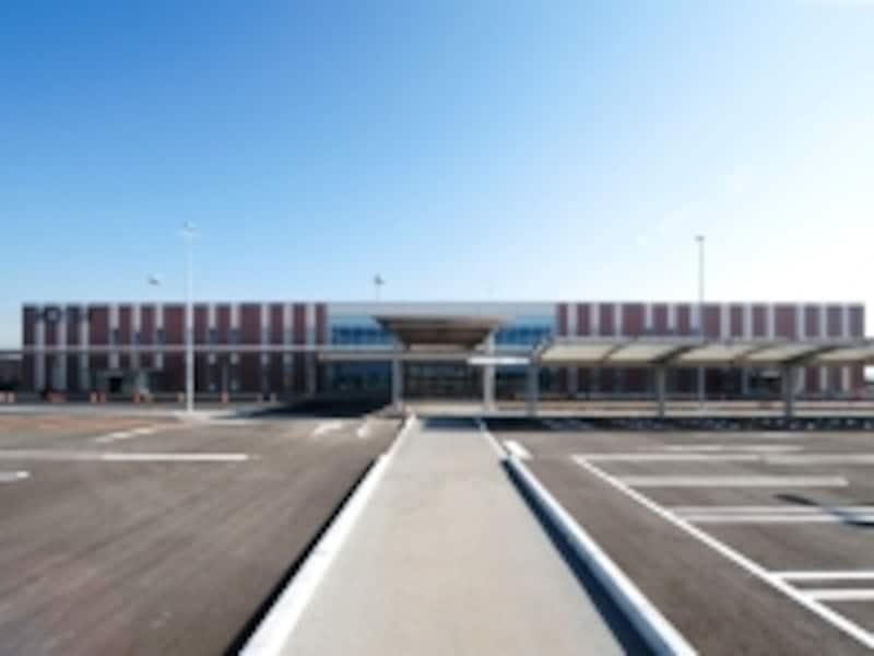 茨城空港の駐車場(クリックすると画像が拡大します)