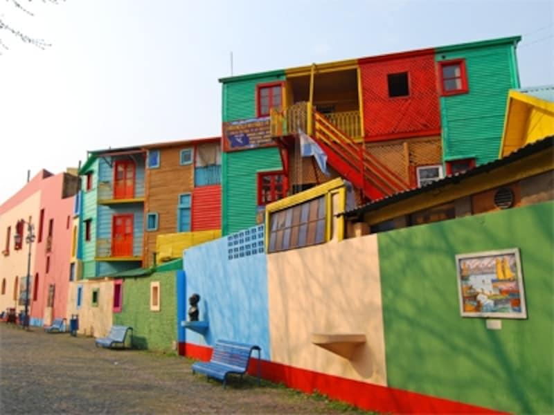 色とりどりの家並みは、港町ブエノスアイレスを代表する風景のひとつ