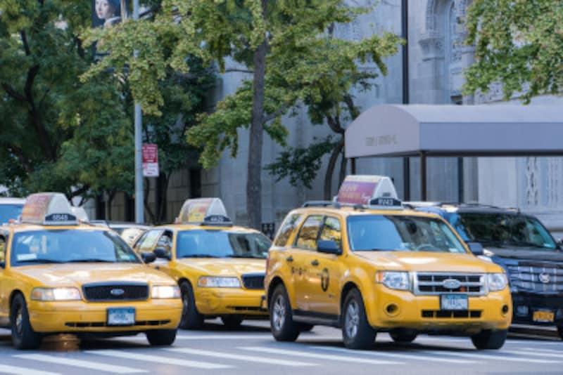タクシーに乗ったら行き先を英語で伝えよう!タクシーで使える英会話