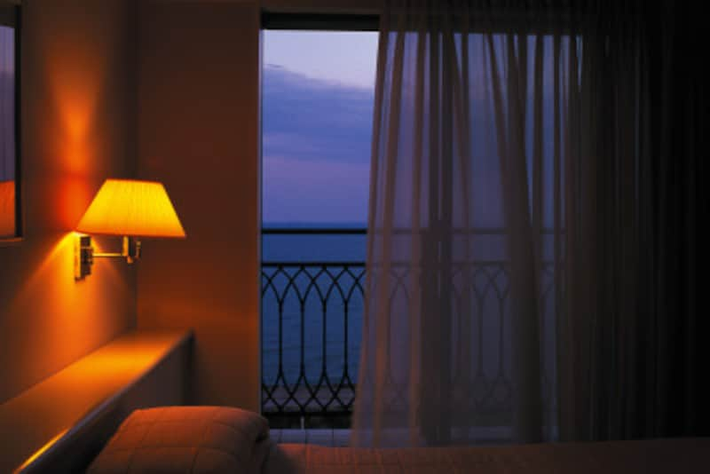 4人部屋への変更など……英語でホテルの予約フレーズ