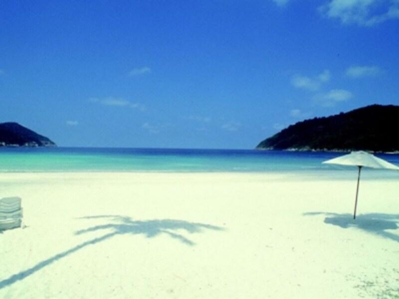 真っ白なビーチと抜けるような青い空こそ、ランカウイ島の真骨頂!undefinedそしてラグジュアリーなホテルの数々。アジアンリゾートの王道がここにあります
