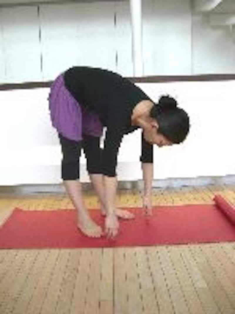 背中の筋肉を伸ばすように!