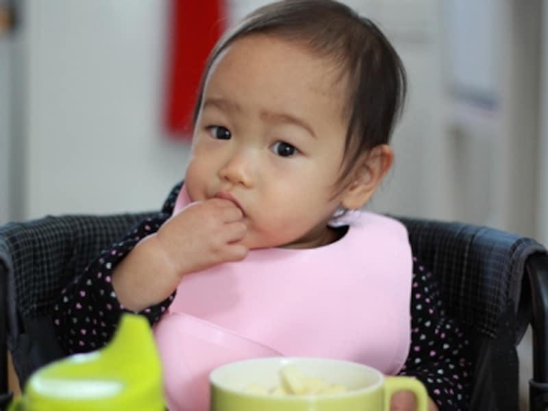 赤ちゃんが自分で食べたがる意志を大切にしてあげよう