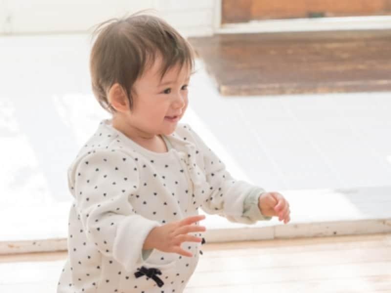 12か月までひとり立ちできる赤ちゃんは全体の半分ほど。個人差が大きいので焦らなくて大丈夫です