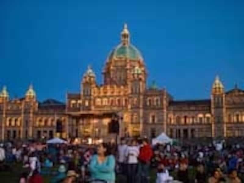 ビクトリア州議事堂前でのカナダデーのイベント