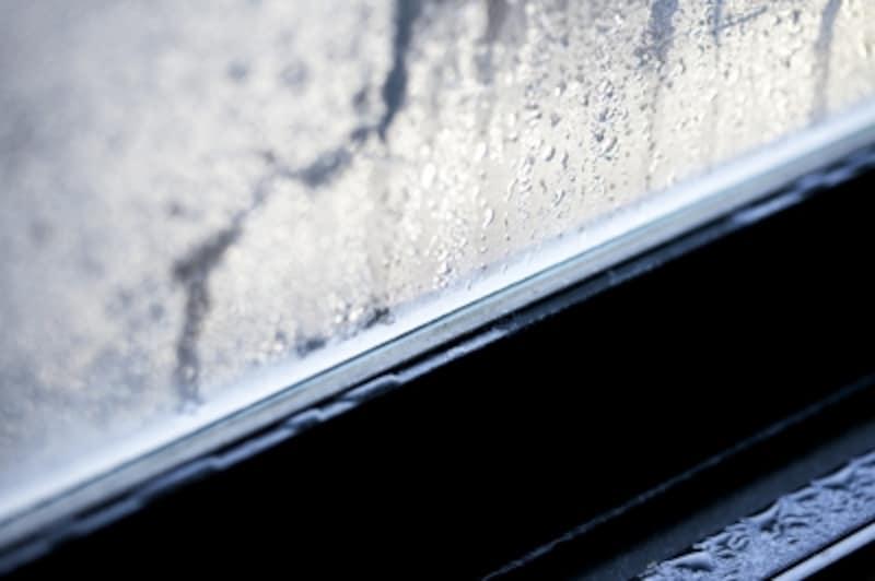 窓の結露に目をつぶっていませんか?