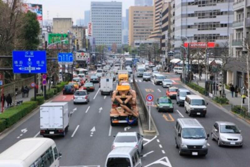 交通量の多い幹線道路に面していると夜中でもうるさい可能性が