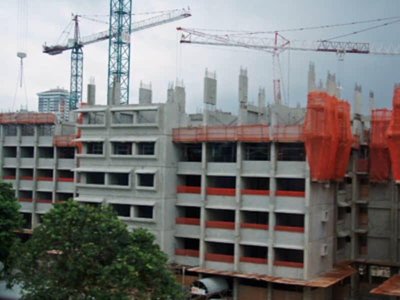 マンションの建設現場