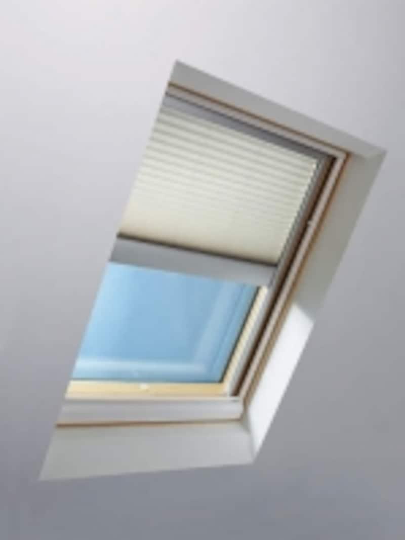 物干しスペースには、採光や通風を確保したい。プランによっては、トップライトを上手に取り入れても。undefined[天窓シリーズundefinedソーラーバッテリーブラインド調光タイプ]YKKAPundefinedhttp://www.ykkap.co.jp/